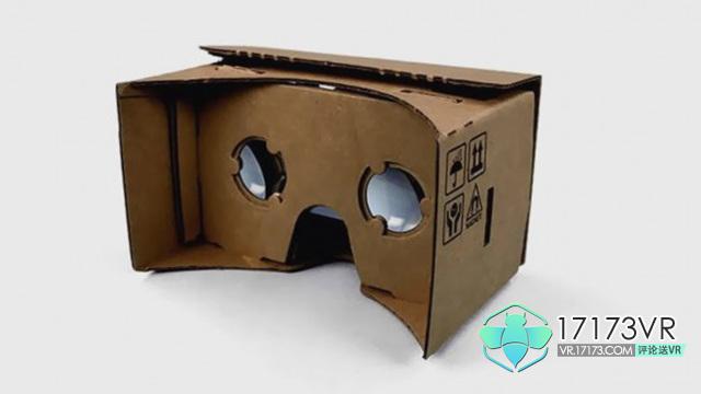 谷歌首次发布关于Daydream View的消息是在最新2016年的I/O峰会上。谷歌声称这一款VR设备比市场上另外的手机端VR头戴设备还要轻30%。虽然没有指名道姓,不过我们还是能猜的出来这说的是新三星Gear VR。 Daydream View宣传片 目前只有谷歌的自研的Pixel手机能够适配Daydream View,但我们也希望能有更多系列的手机比如来自三星,HTC,华为的手机等等,都能够适配Daydream。此外,Daydream View还配备一个专门的控制器,能够准确追踪使用者的手部动作,