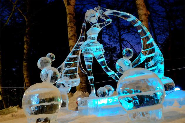 """晶莹剔透的""""冰初音"""" 超美痛冰雕北海道冰祭梦幻登场"""