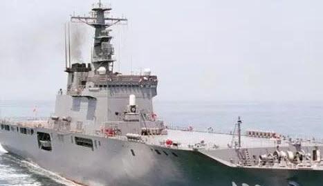 """""""白根""""级上可以搭载武装直升机,使之成为世界仅有的搭载飞机的""""护卫舰"""