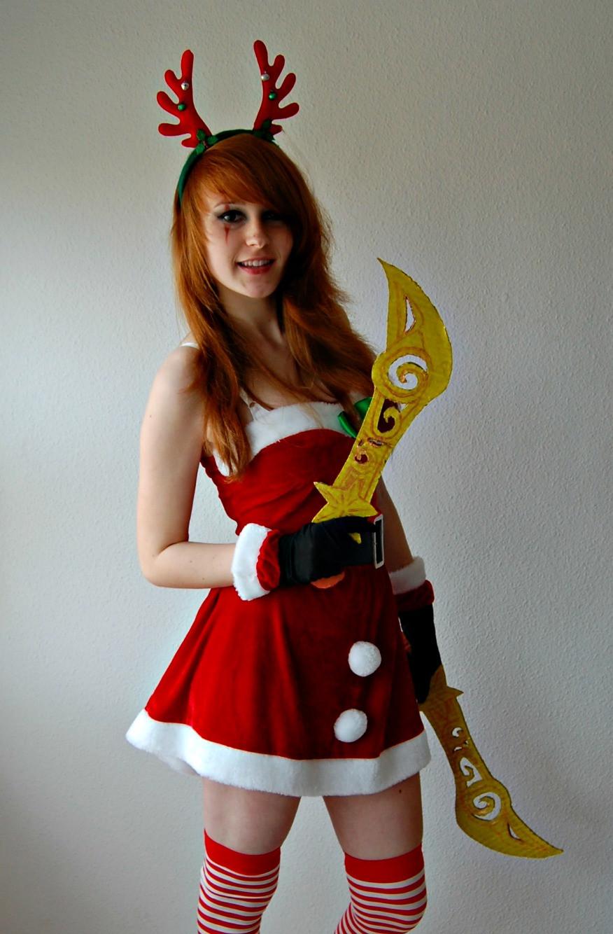 玩家作品 美女cosplay卡特琳娜 凶残无比 高清图片