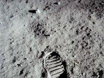 人类曾在月球生活!7大惊人证据曝光
